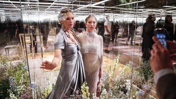 ქეით მოსი ქალიშვილთან ერთად - Sputnik საქართველო