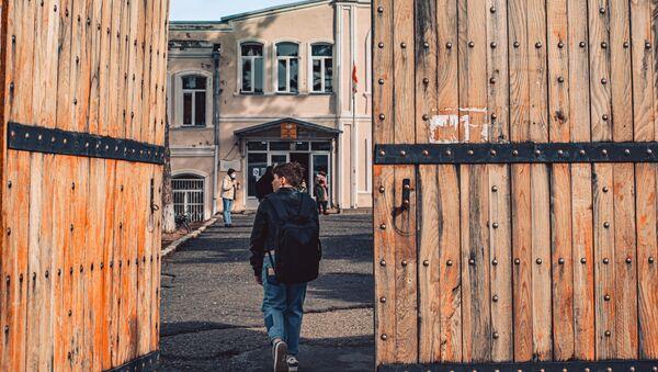 Возобновление учебы в школах в Телави 1 февраля 2021 года - Sputnik Грузия