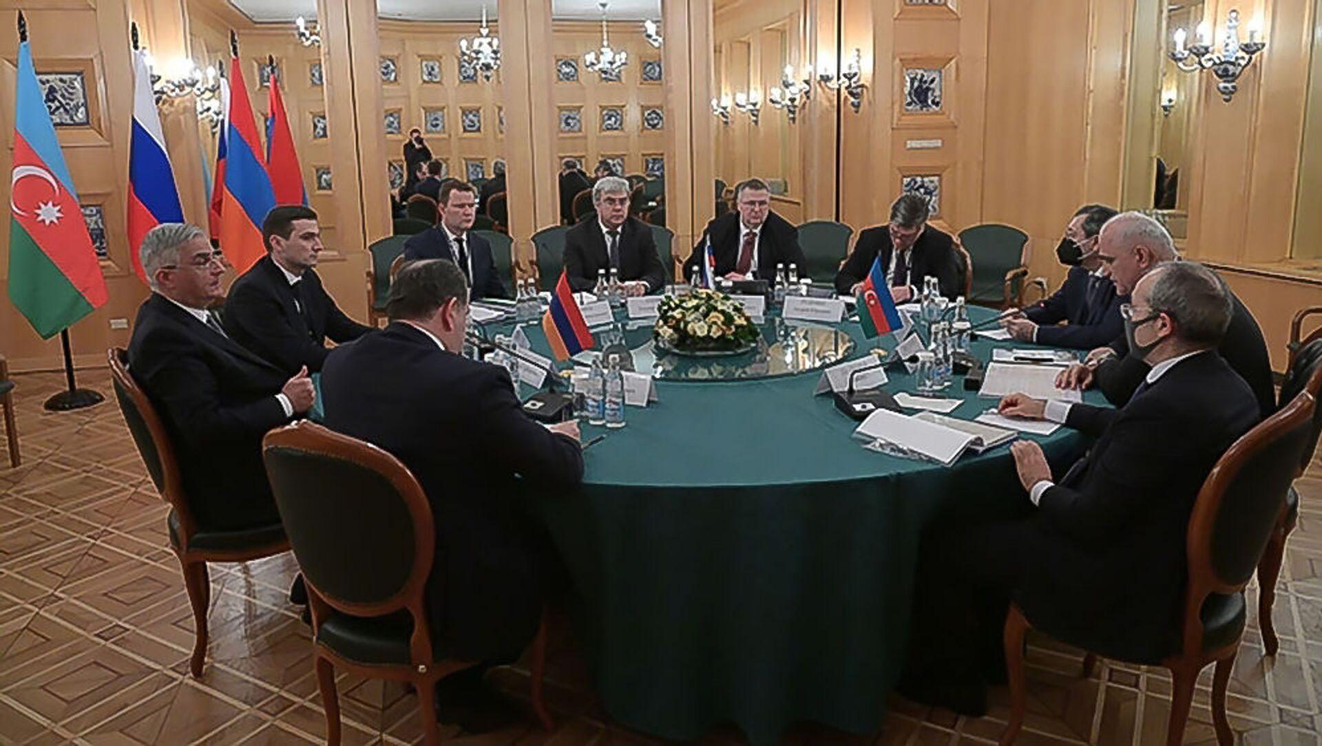 Заседание трёхсторонней Рабочей группы под совместным председательством вице-премьеров Армении, Азербайджана и России (30 января 2021). Москвa - Sputnik Грузия, 1920, 03.02.2021