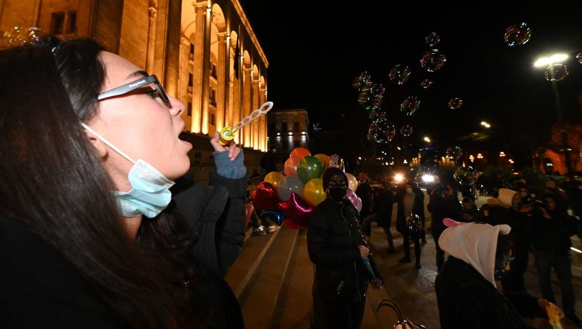 Акция протеста против ковид-ограничений у здания парламента Грузии 6 февраля 2021 года - Sputnik Грузия, 1920, 12.02.2021