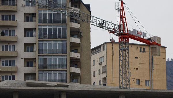 Строительство нового жилья - подъемный кран - Sputnik Грузия