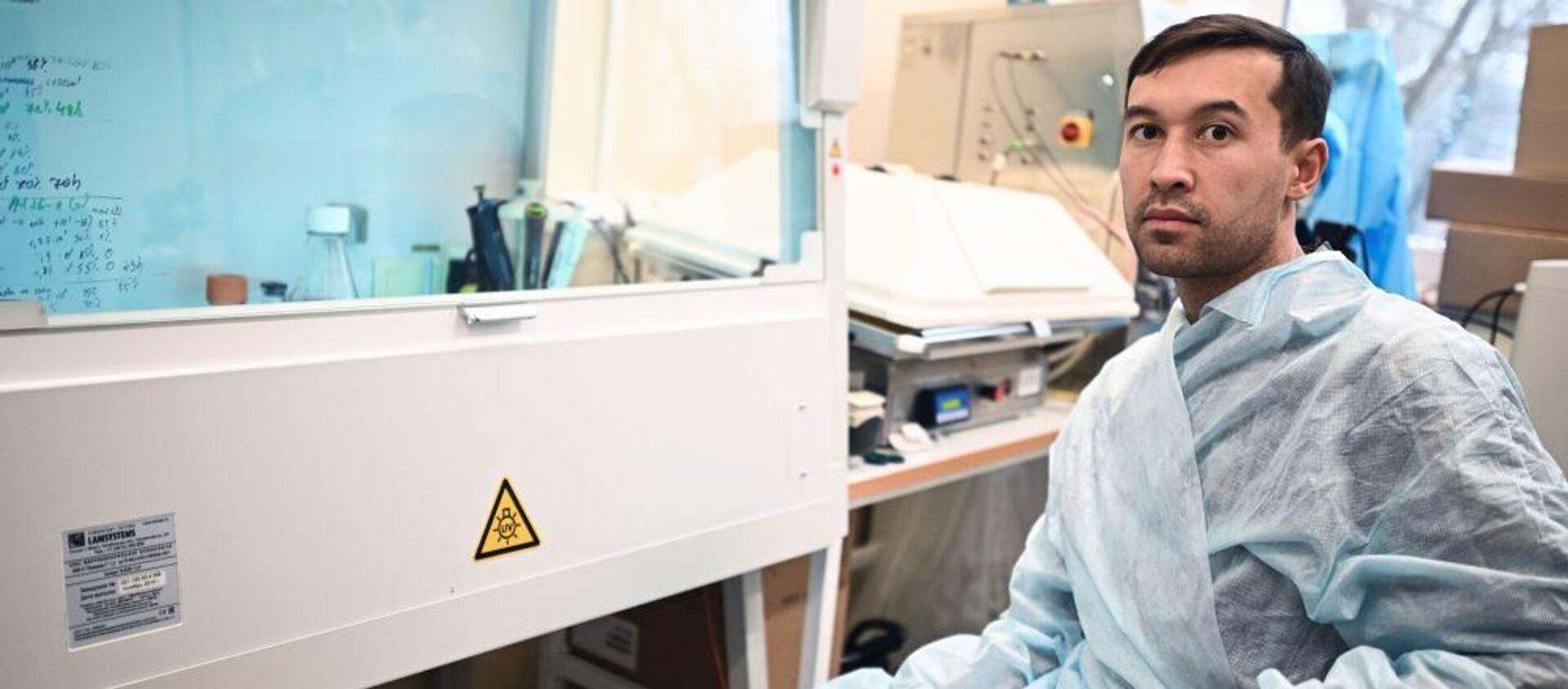 Один из создателей вакцины Спутник V кандидат биологических наук Ильяс Есмагамбетов - Sputnik Грузия, 1920, 16.02.2021
