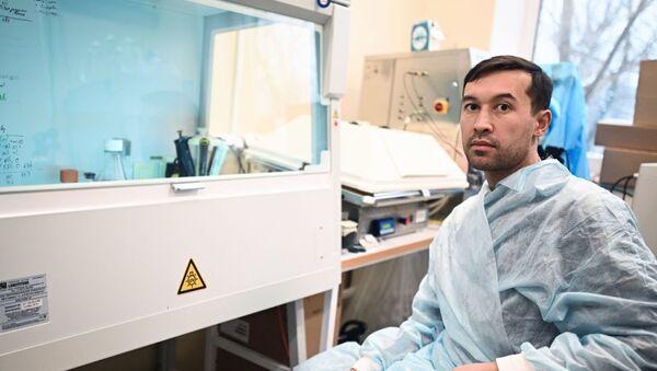 Один из создателей вакцины Спутник V кандидат биологических наук Ильяс Есмагамбетов - Sputnik Грузия