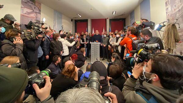 Лидеры объединенной оппозиции и Ника Мелия в офисе Единого нацдвижения - Sputnik Грузия