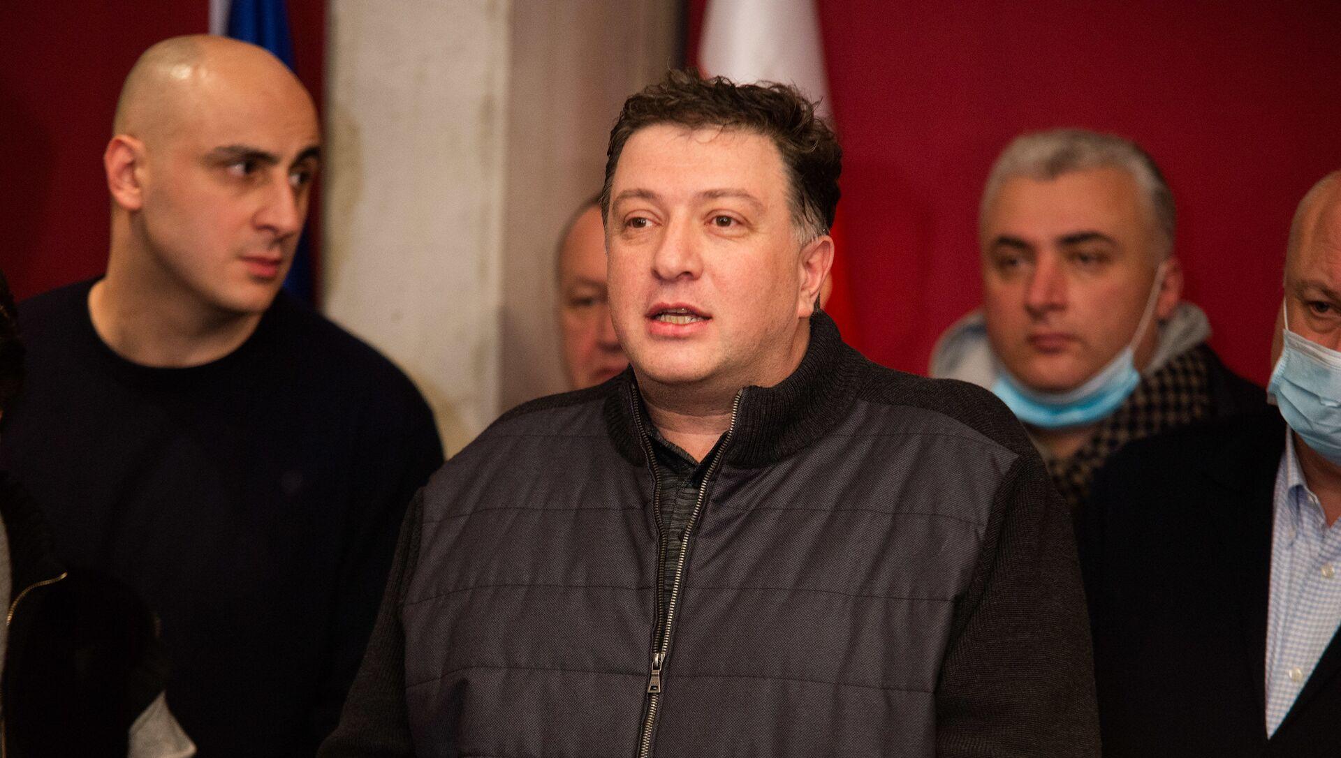 Гиги Угулава в офисе Единого нацдвижения 17 февраля 2021 года - Sputnik Грузия, 1920, 18.02.2021