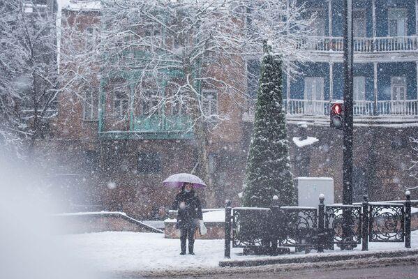 Хоть и ненадолго, но тбилисцы могут ощутить снежную зиму - Sputnik Грузия