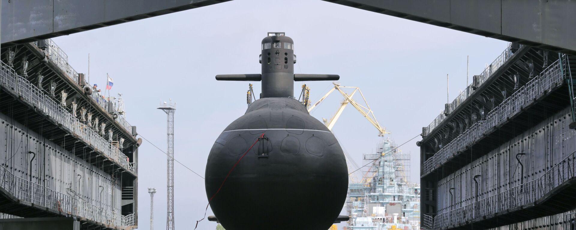 Спуск на воду подводной лодки Кронштадт проекта 677 Лада. - Sputnik Грузия, 1920, 25.02.2021