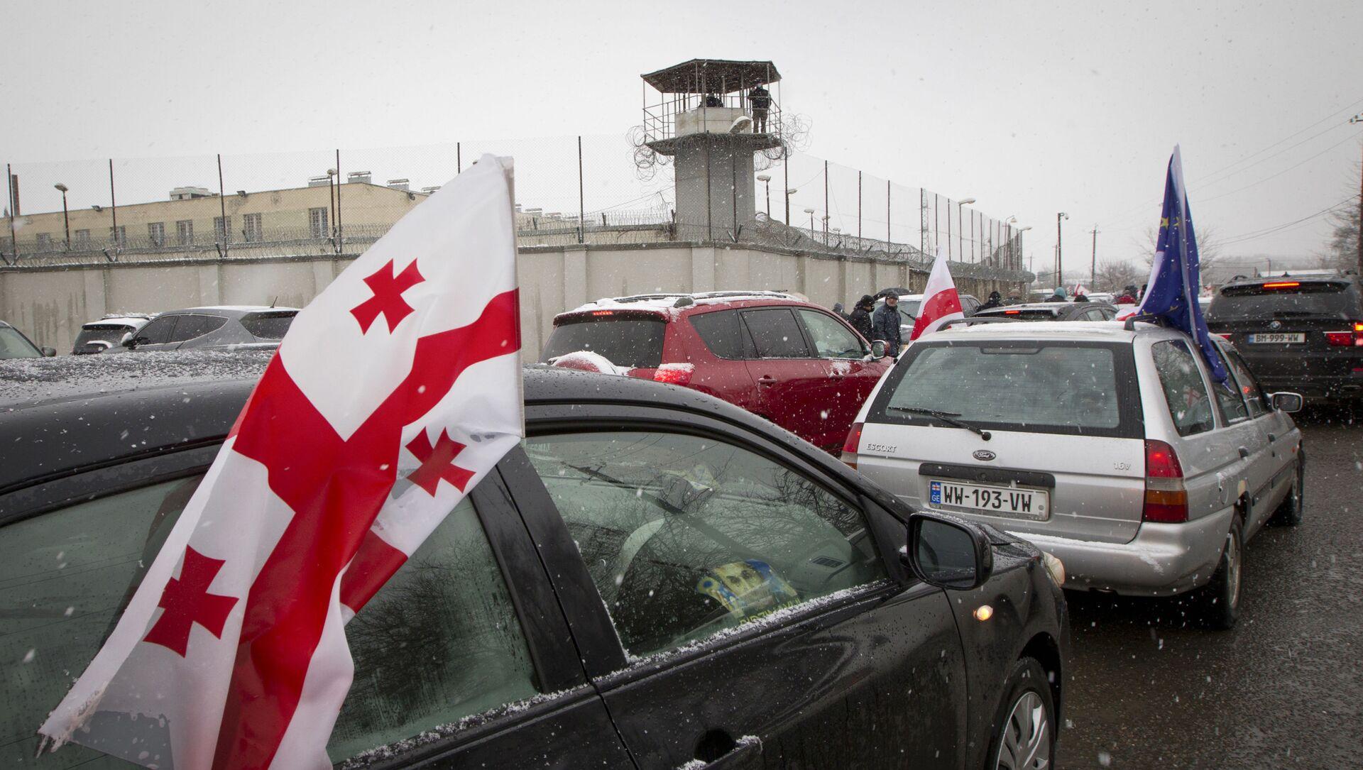 Автопробег оппозиции у Руставской тюрьмы  - Sputnik Грузия, 1920, 25.02.2021
