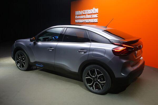 Электромобилю Citroen e-C4 досталось последнее место - Sputnik Грузия