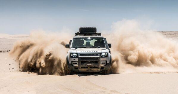 Возрожденный Деф – Land Rover Defender – по результатам конкурса стал предпоследним – в Европе теперь уже не так популярны прожорливые внедорожники - Sputnik Грузия
