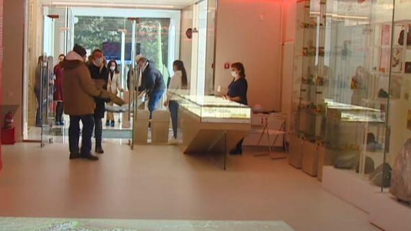 ციმბირში მაინინგ კომპანიამ 40 000 წლის მამონტის ეშვები აღმოაჩინა და მუზეუმს გადასცა - Sputnik საქართველო