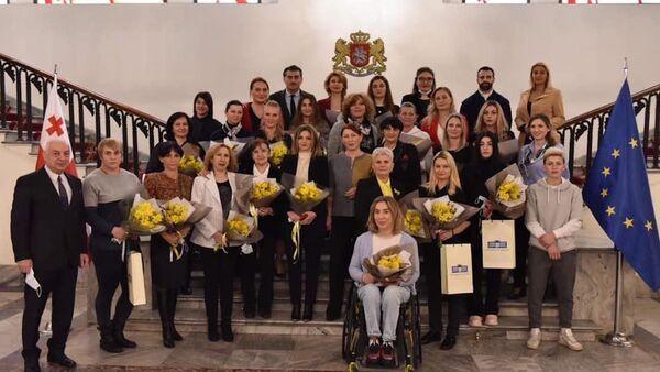 Спортсменок-ветеранок в парламенте Грузии поздравили с 8 марта - Sputnik Грузия