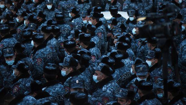 პოლიცია მიტინგზე ერევანში - Sputnik საქართველო