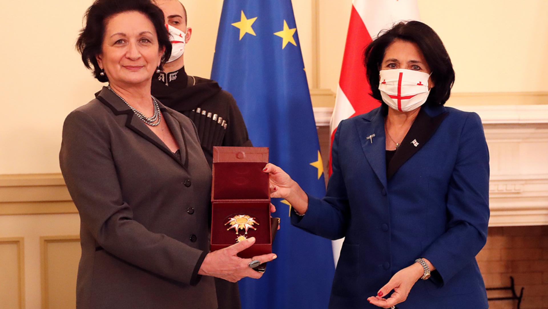 Президент Грузии посмертно наградила хореографа Георгия Алексидзе Президентским Орденом Сияния - Sputnik Грузия, 1920, 11.03.2021