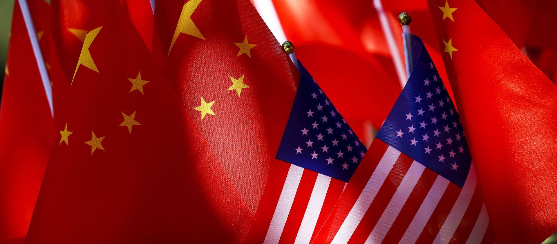 აშშ-სა და ჩინეთის დროშები - Sputnik საქართველო, 1920, 21.06.2021