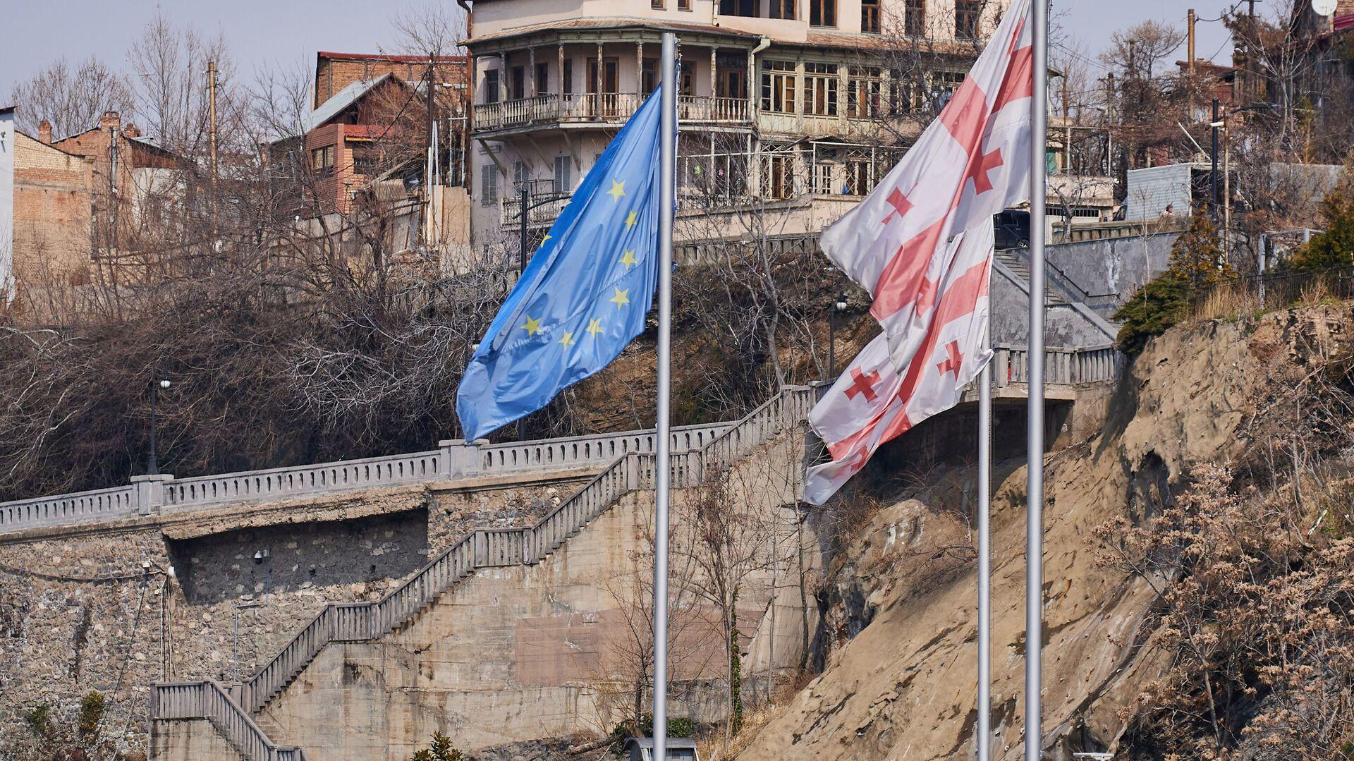 Вид на город Тбилиси - старый город, район Авлабари  - Sputnik Грузия, 1920, 28.03.2021