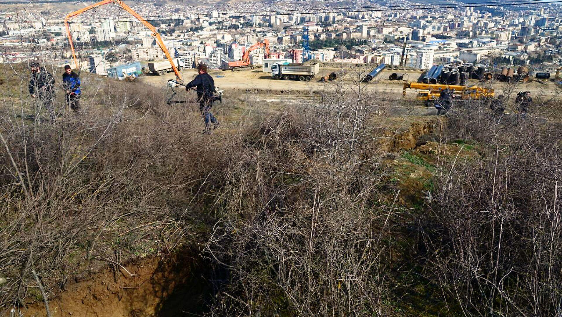 Оползневая зона в столице Грузии в районе Сабуртало в поселке Вашлиджвари - Sputnik Грузия, 1920, 01.04.2021