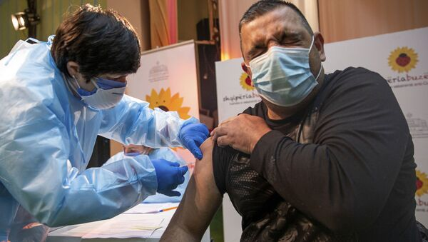 Эпидемия коронавируса - вакцинация вакциной AstraZeneca - Sputnik Грузия