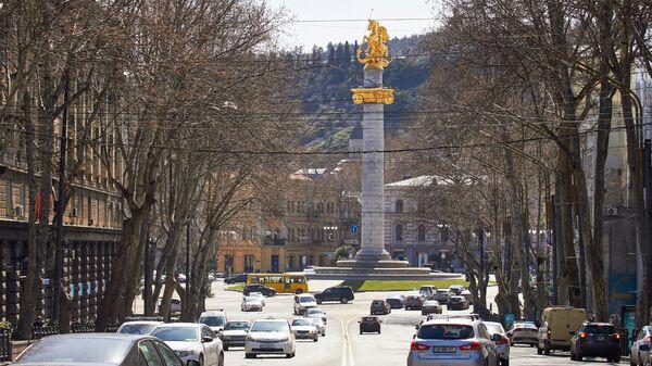 Вид на город Тбилиси - площадь Свободы и статуя Святого Георгия - Sputnik Грузия