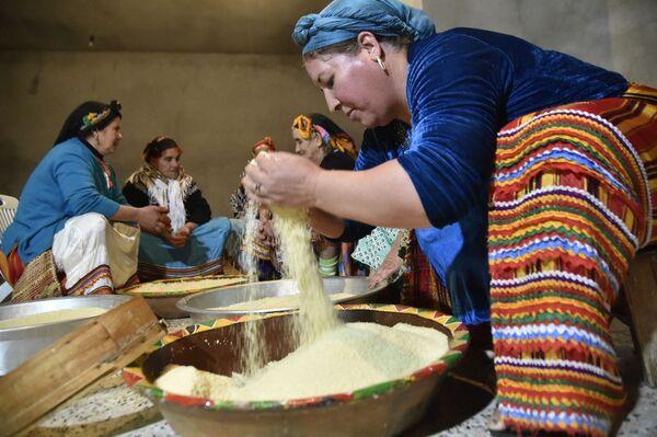 ქალები ამზადებენ კუსკუსს ალჟირში - Sputnik საქართველო
