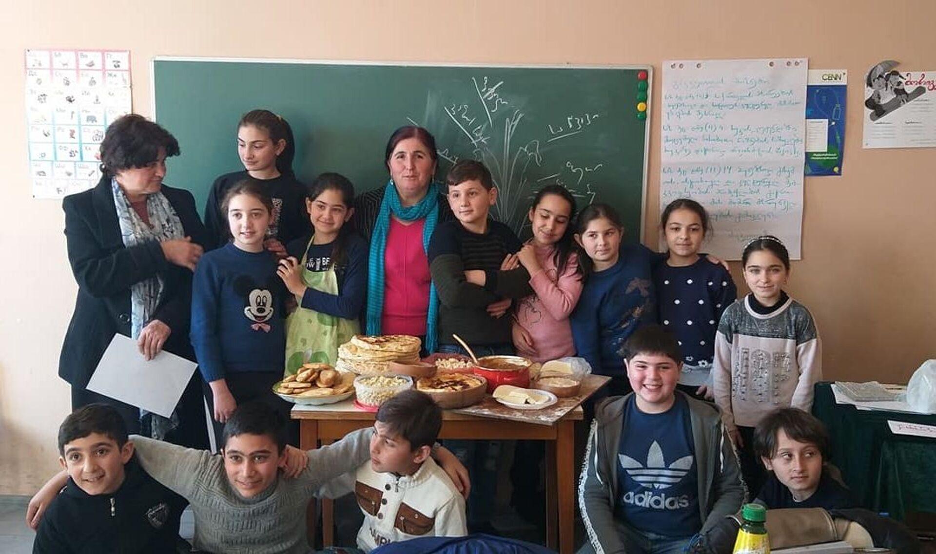 კლასგარეშე საკითხავი მასწავლებლებისთვის: სიყვარული ბუმერანგივითაა... - Sputnik საქართველო, 1920, 05.04.2021