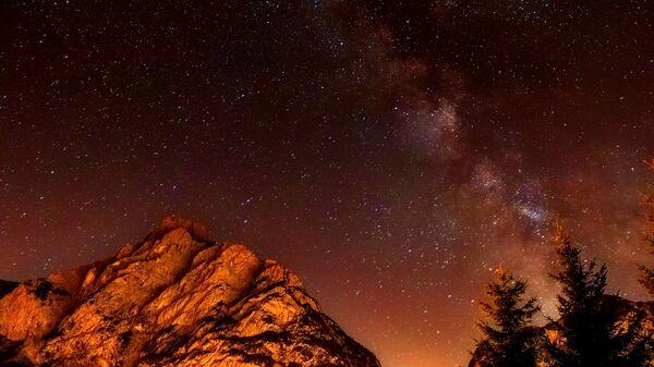 Млечный путь и звезды. Ночное небо - Sputnik Грузия