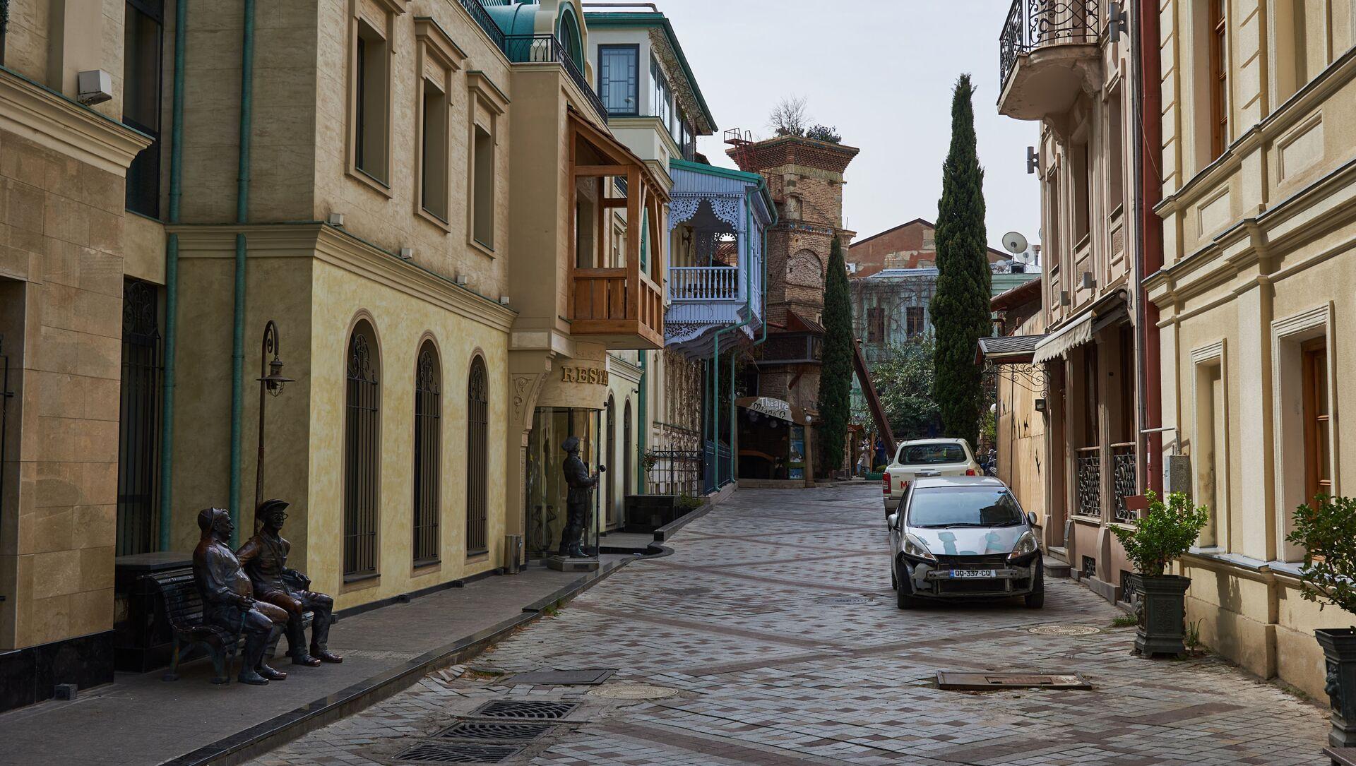 Вид на старый Тбилиси. Театр марионеток Резо Габриадзе и частные отели - Sputnik Грузия, 1920, 16.04.2021