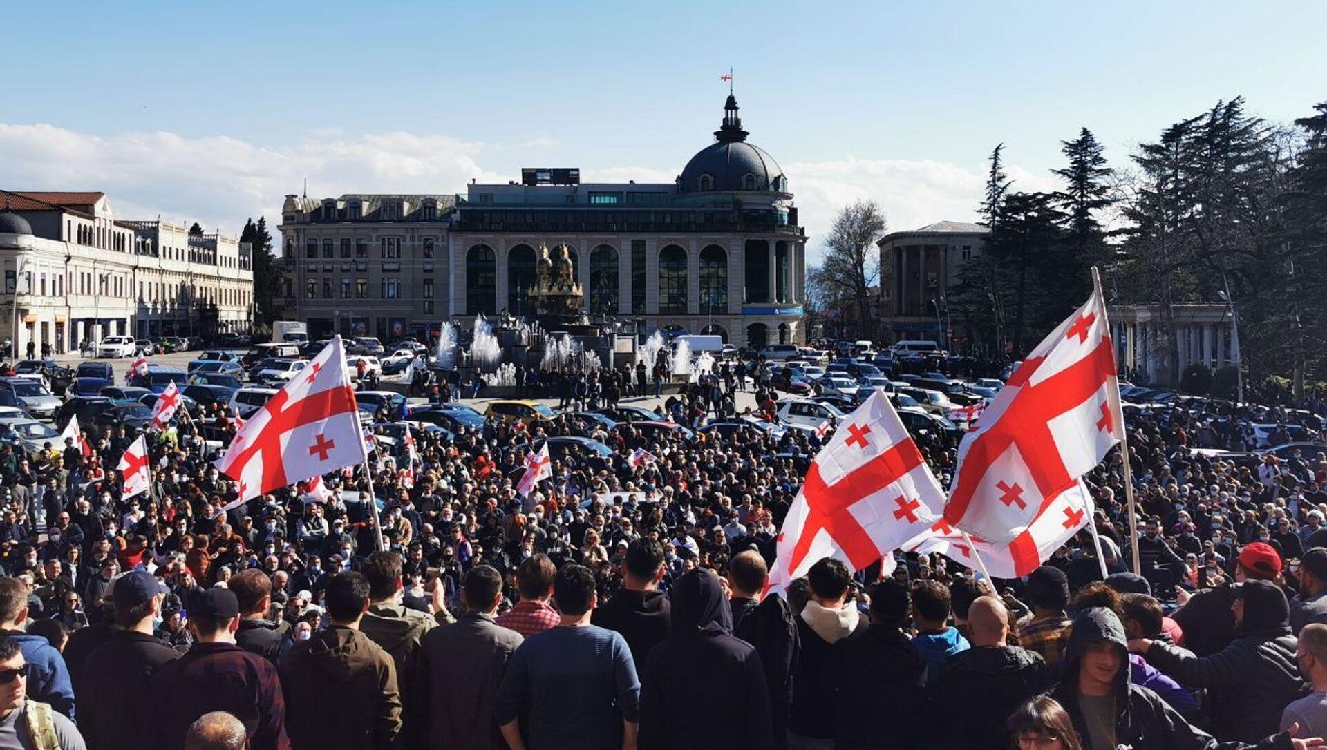 Акция протеста против строительства Намахвани ГЭС в центре города Кутаиси 14 апреля 2021 года - Sputnik Грузия, 1920, 14.04.2021