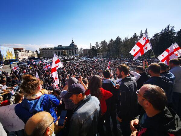 Кажется, что акции охватили весь регион Имерети. В центре Кутаиси состоялось уже немало протестных выступлений против Намахвани ГЭС - Sputnik Грузия