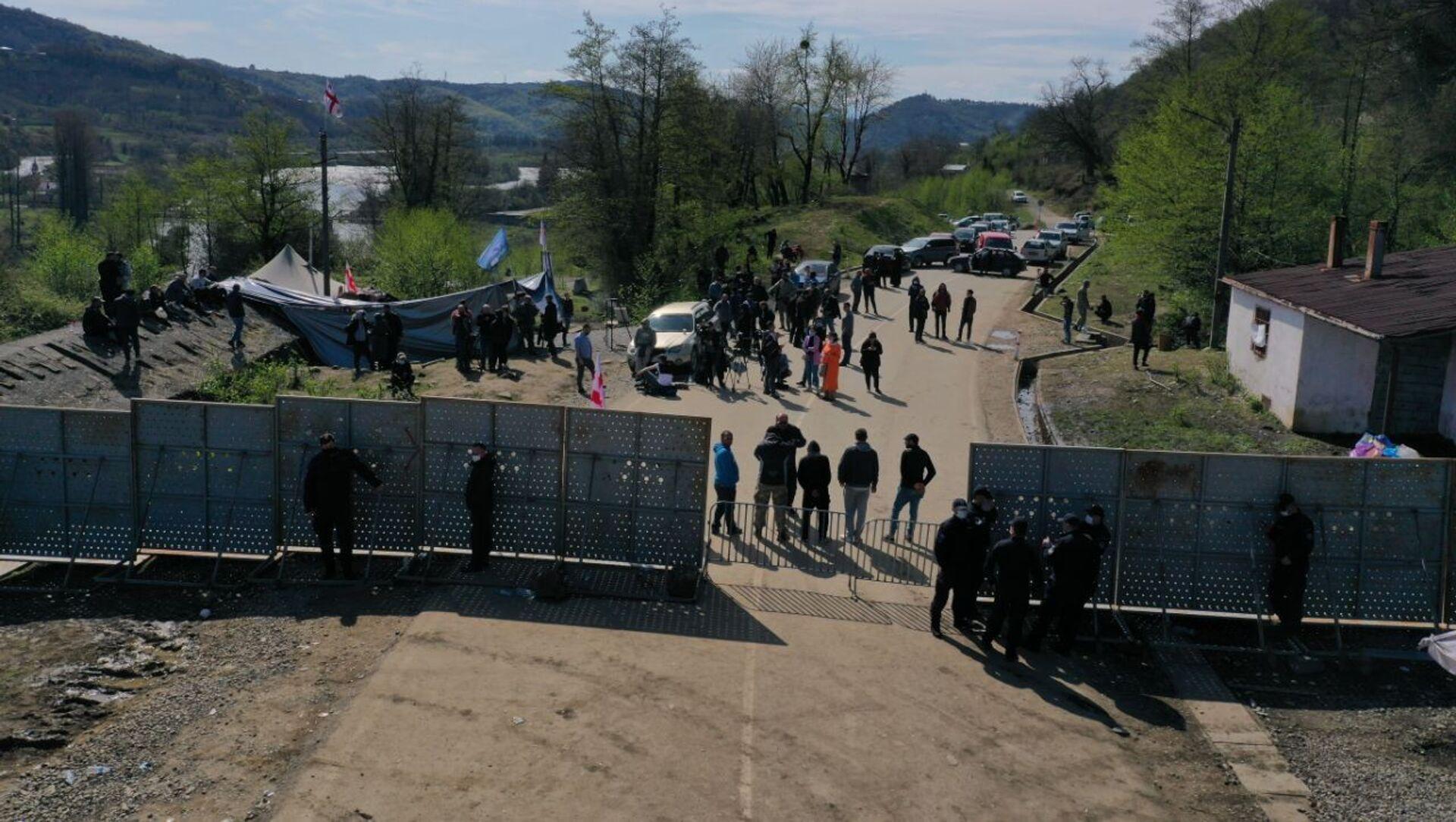 Акция протеста на месте строительства Намахвани ГЭС 15 апреля 2021 года - Sputnik Грузия, 1920, 15.04.2021