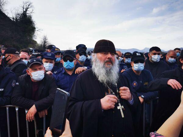 В последние дни ситуация вокруг строительства Намахвани ГЭС стала темой номер один в грузинских СМИ - к протестам присоединяются представители разных слоев общества - Sputnik Грузия