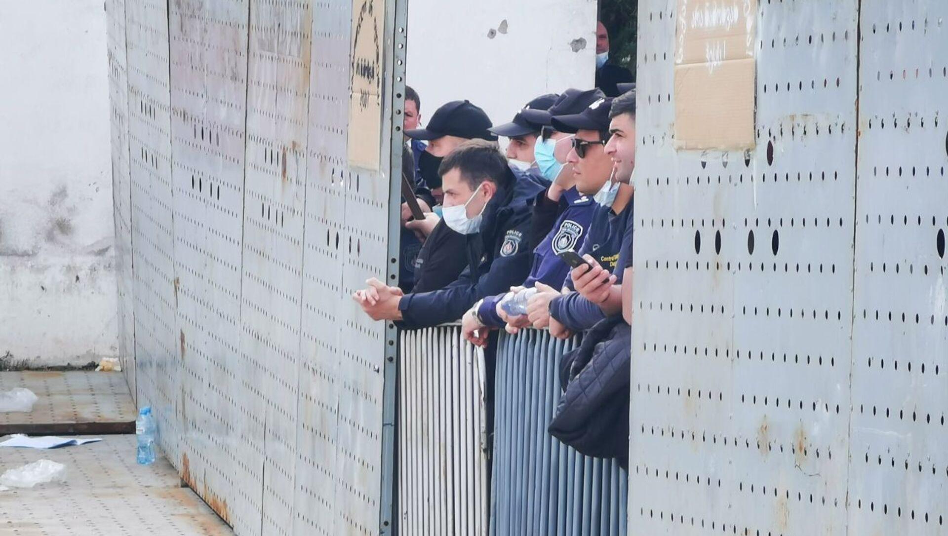 Полиция и охрана объекта. Акция протеста против строительства Намахвани ГЭС 15 апреля 2021 года - Sputnik Грузия, 1920, 26.05.2021