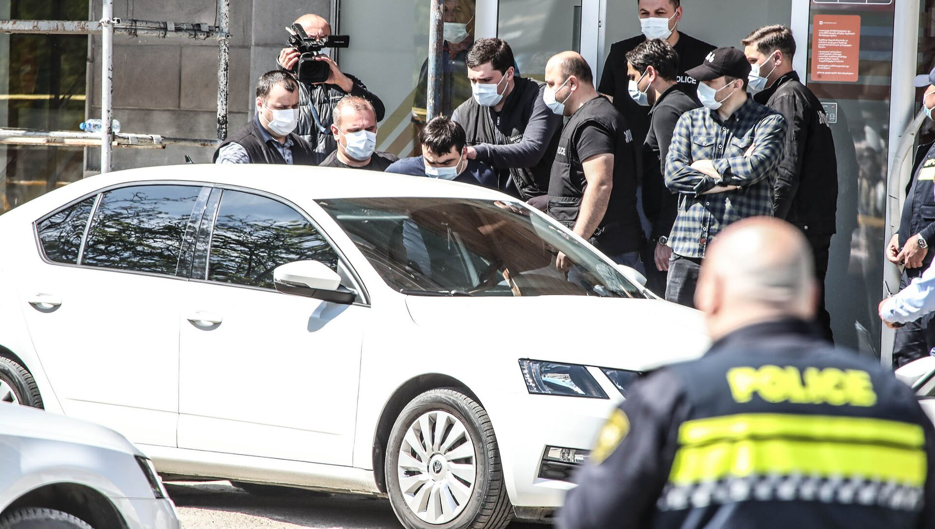 Задержание преступника. Нападение на филиал Банка Грузии и захват заложников 16 апреля 2021 года - Sputnik Грузия, 1920, 16.04.2021