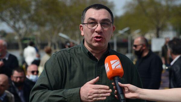 Гига Бокерия. Встреча лидеров объединенной оппозиции в парке Рике 19 апреля 2021 года - Sputnik Грузия