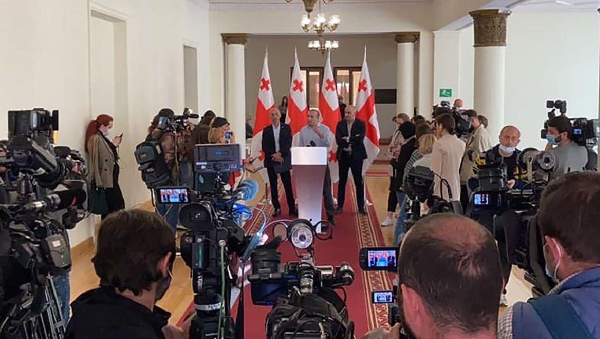 Лидеры Гирчи в парламенте - Sputnik Грузия, 1920, 19.04.2021