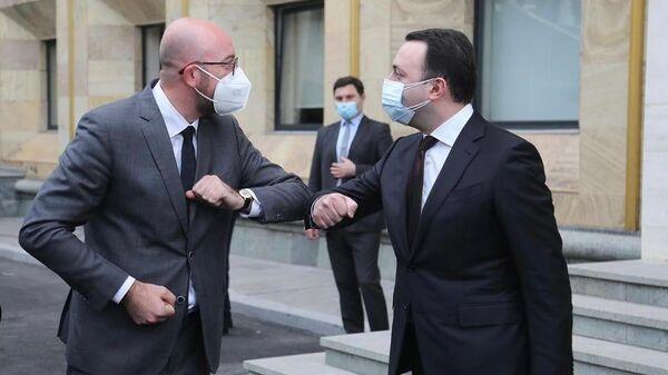 Шарль Мишель и Ираклий Гарибашвили на встрече в столице Грузии, архивное фото - Sputnik Грузия