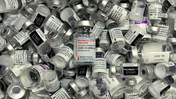 ვაქცინები  Pfizer, Moderna  და AstraZeneca - Sputnik საქართველო
