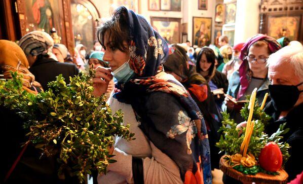 Вербное воскресенье в этом году в Грузии мало чем отличалось от того, как его праздновали раньше - Sputnik Грузия