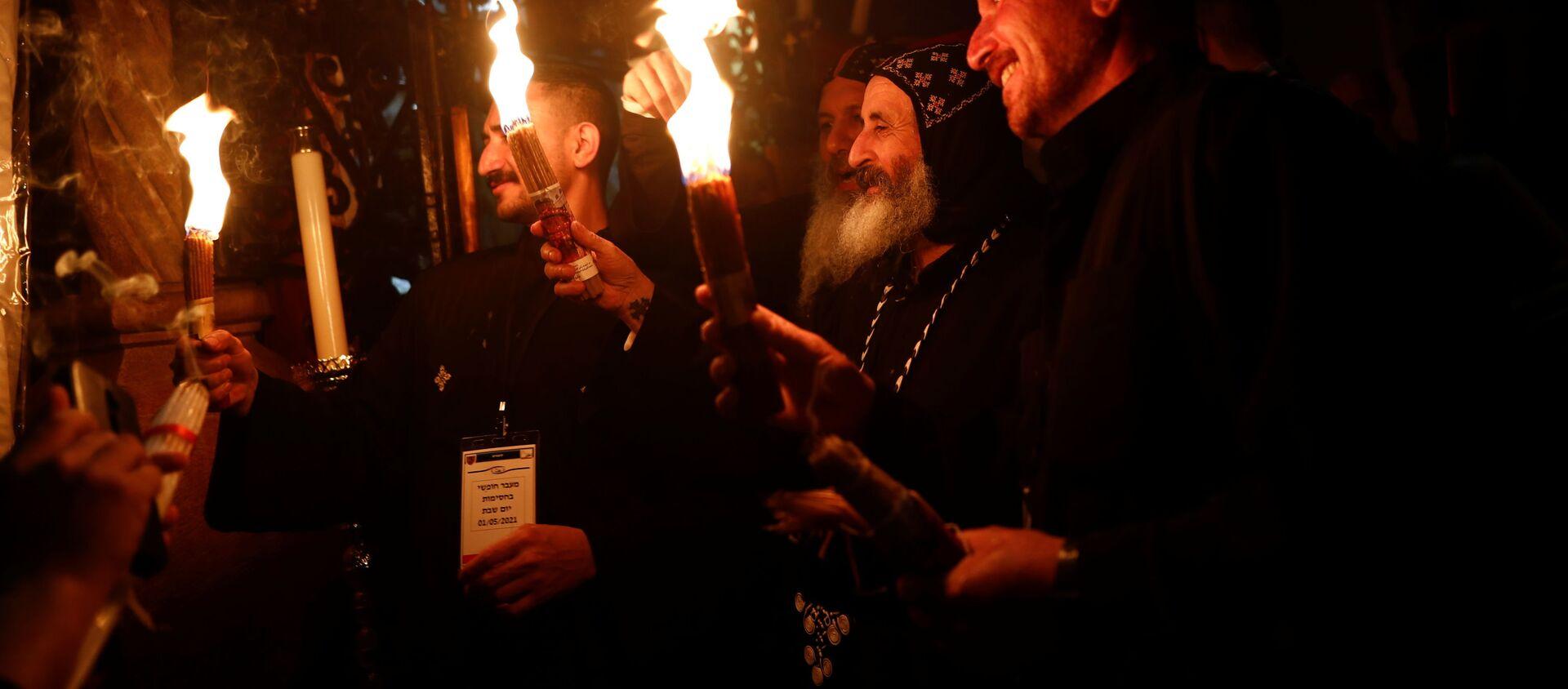 Схождение Благодатного огня в Иерусалиме на православную Пасху - Sputnik Грузия, 1920, 01.05.2021
