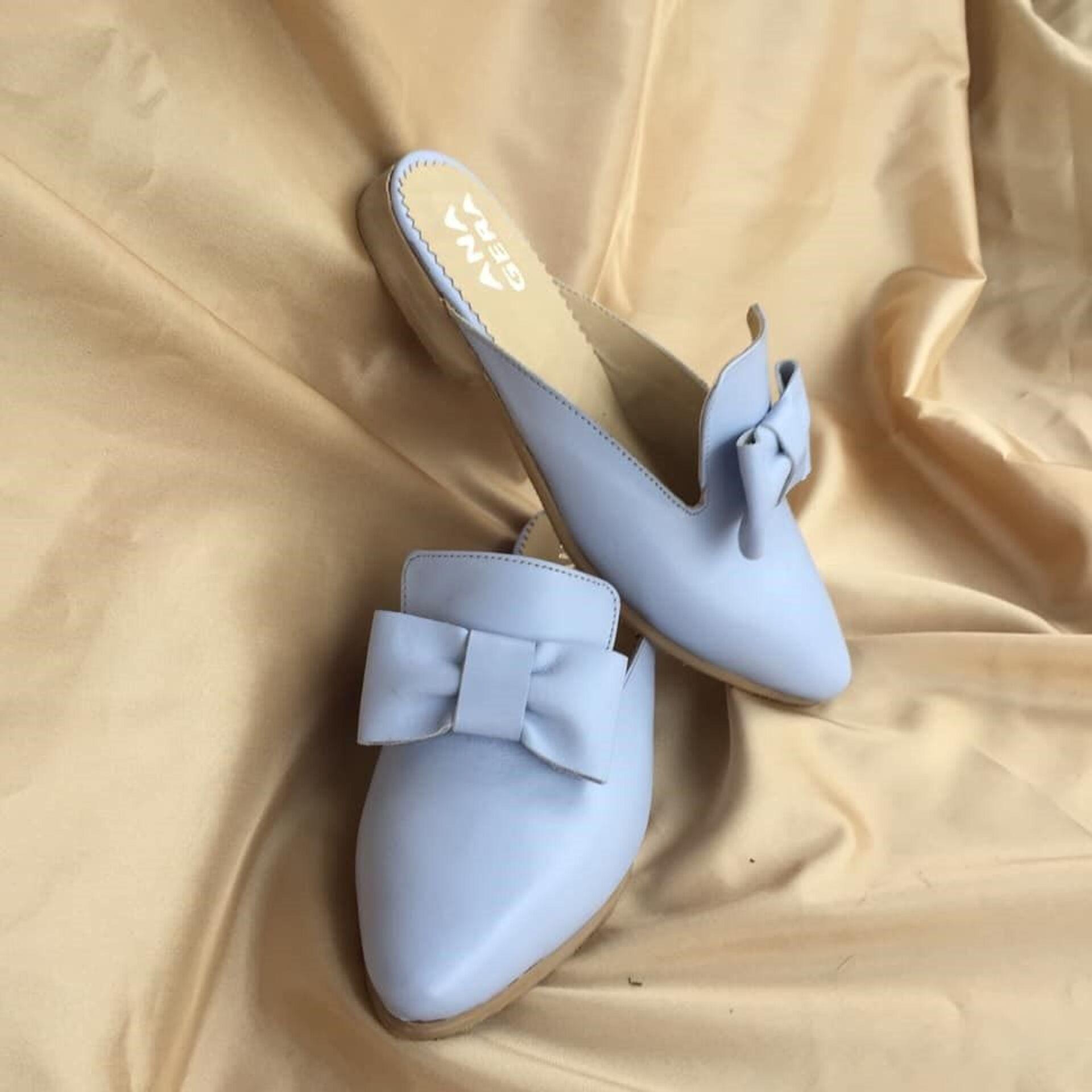 """ქართული ბრენდი """"ანაგერა"""" და დიზაინერი, რომელიც ფეხსაცმელს ხელით ხატავს - Sputnik საქართველო, 1920, 03.05.2021"""