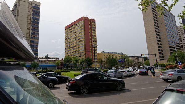 Вид на город Тбилиси - площадь Георгия Саакадзе и здание мэрии города - Sputnik Грузия