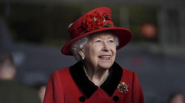 Королева Великобритании Елизавета посещает авианосец британского ВМФ HMS Queen Elizabeth - Sputnik Грузия