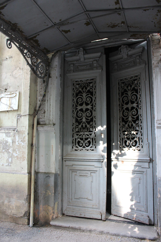 Что зашифровано в деревянных буквах, или Как вдохнуть жизнь в старый район - Sputnik Грузия, 1920, 28.05.2021
