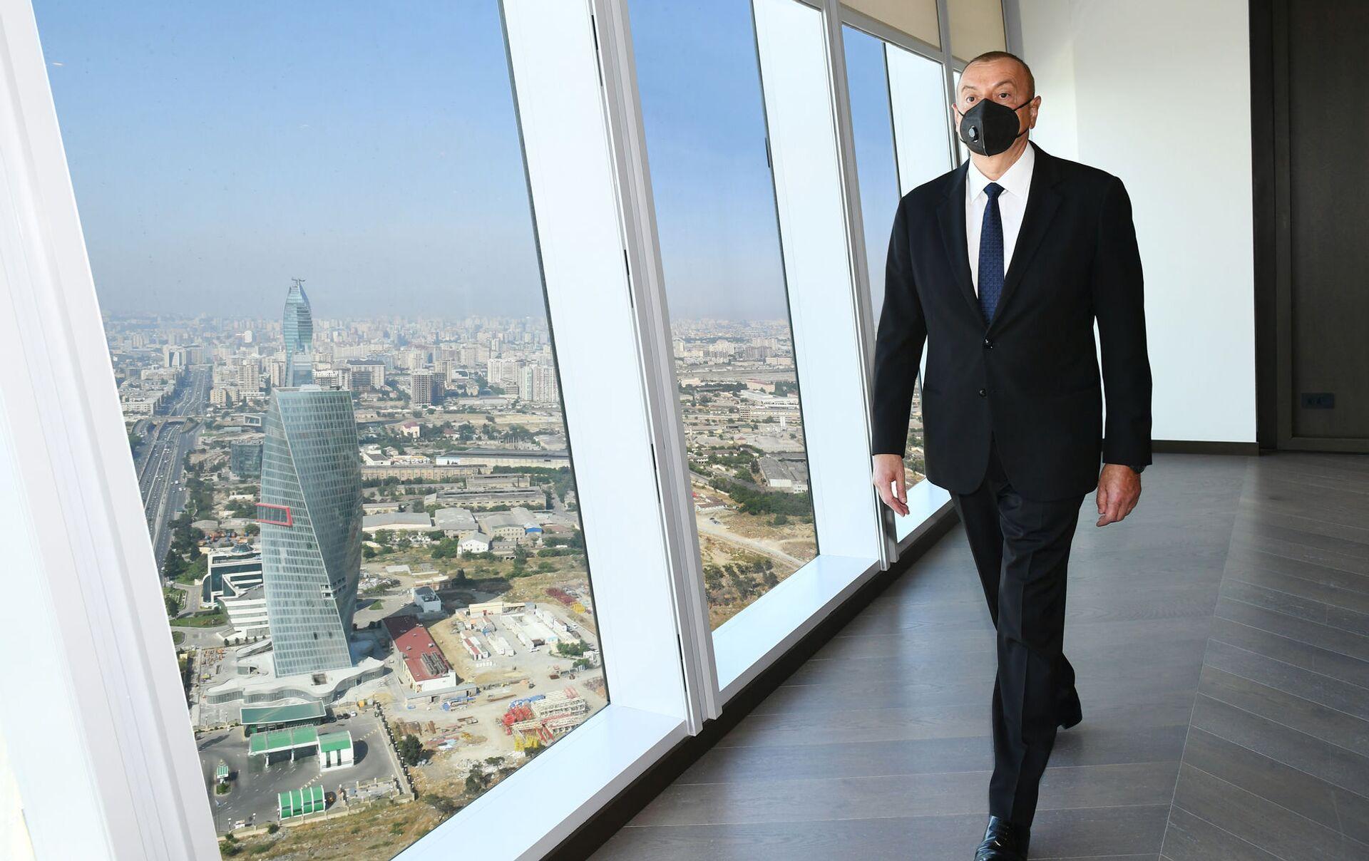 В Баку новое здание Минэкономики построили из кубиков - выглядит суперсовременно  - Sputnik Грузия, 1920, 30.05.2021