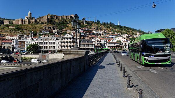 Вид на город Тбилиси - набережная, Метехский мост и Мейдан - Sputnik Грузия