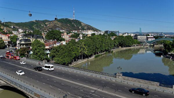 Вид на город Тбилиси - Метехский мост, набережная, река Кура, Мтацминда - Sputnik Грузия