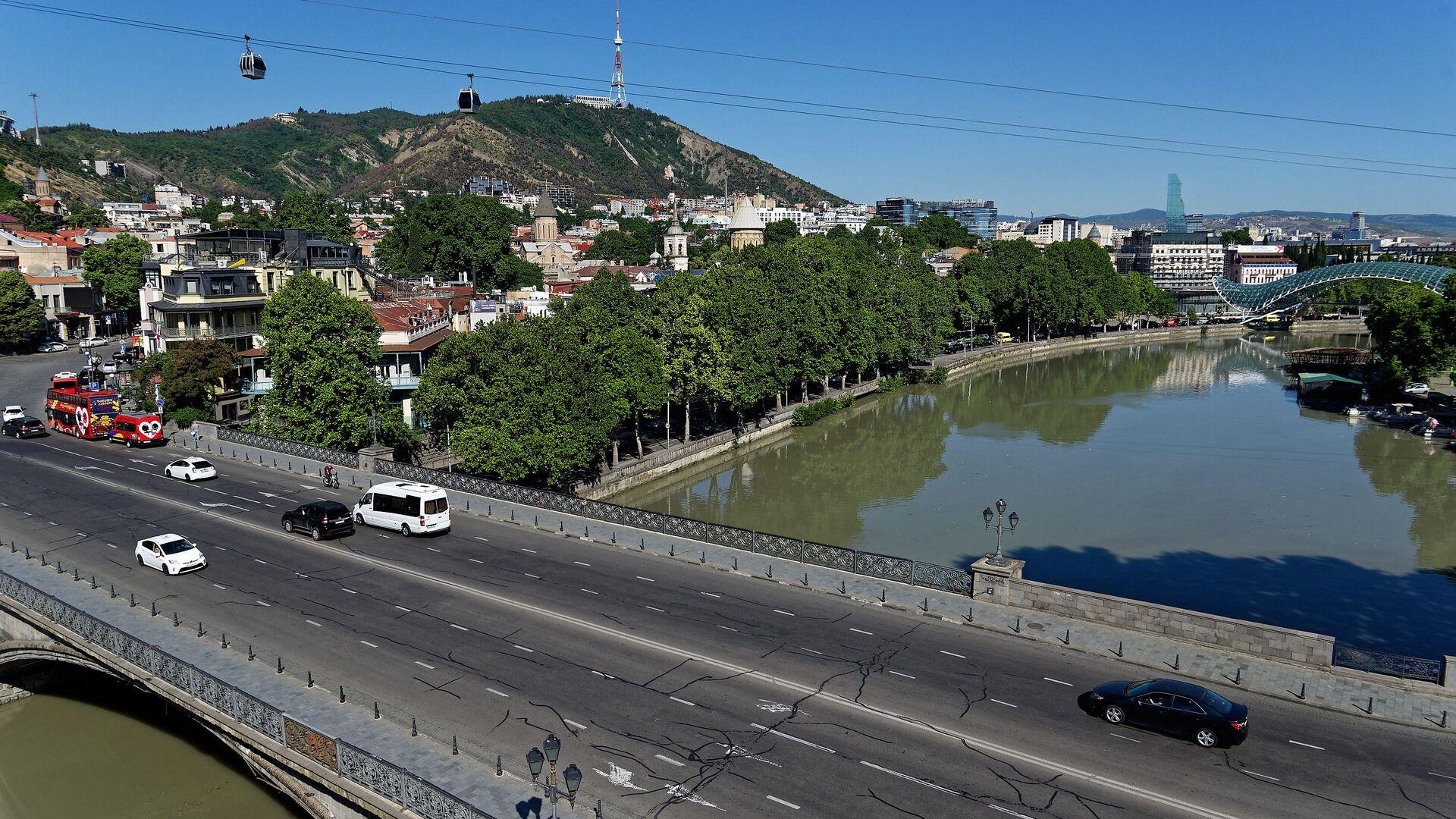 Вид на город Тбилиси - Метехский мост, набережная, река Кура, Мтацминда - Sputnik Грузия, 1920, 29.09.2021