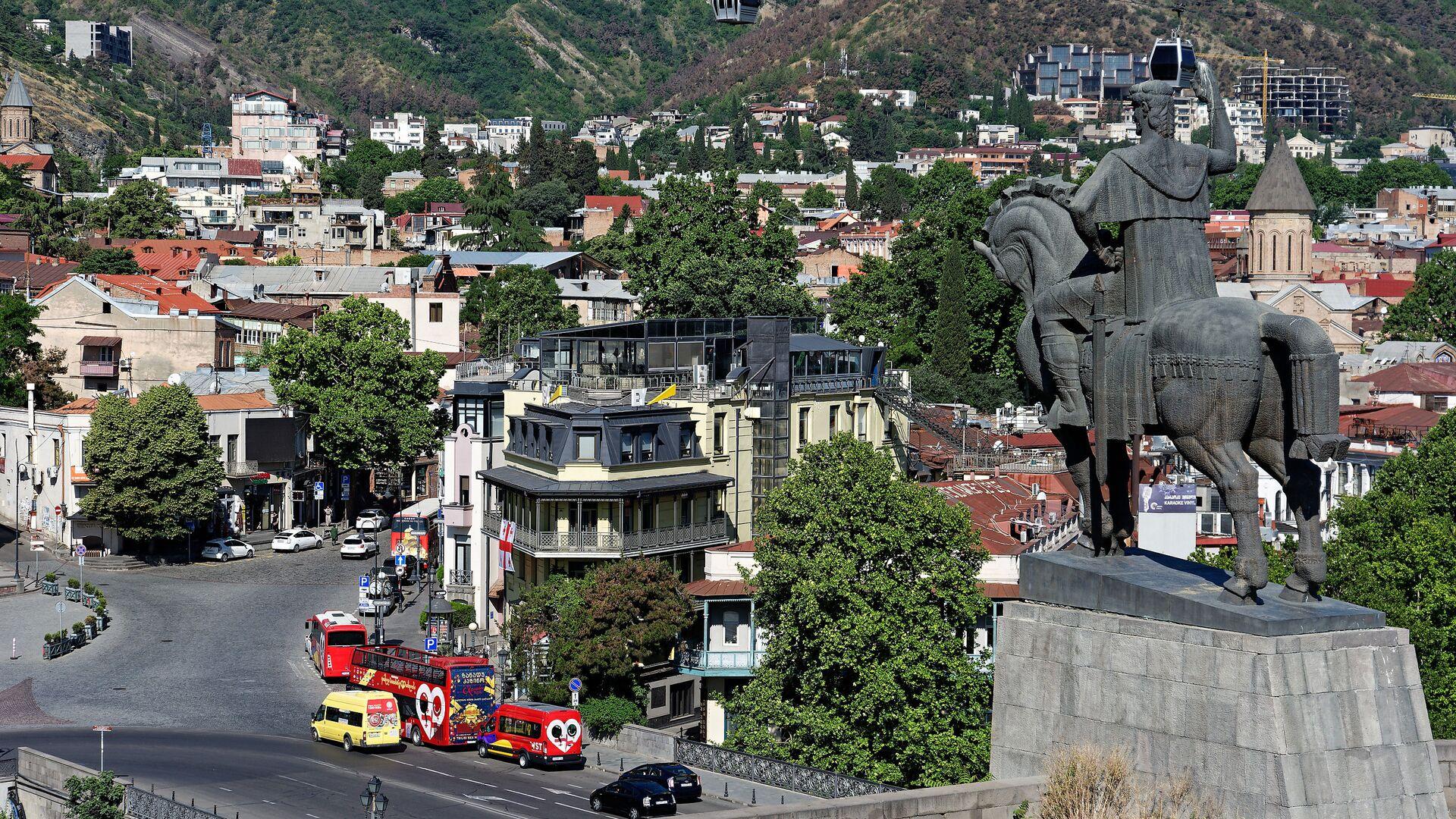 Вид на город Тбилиси - памятник Вахтангу Горгасали - Sputnik Грузия, 1920, 29.09.2021