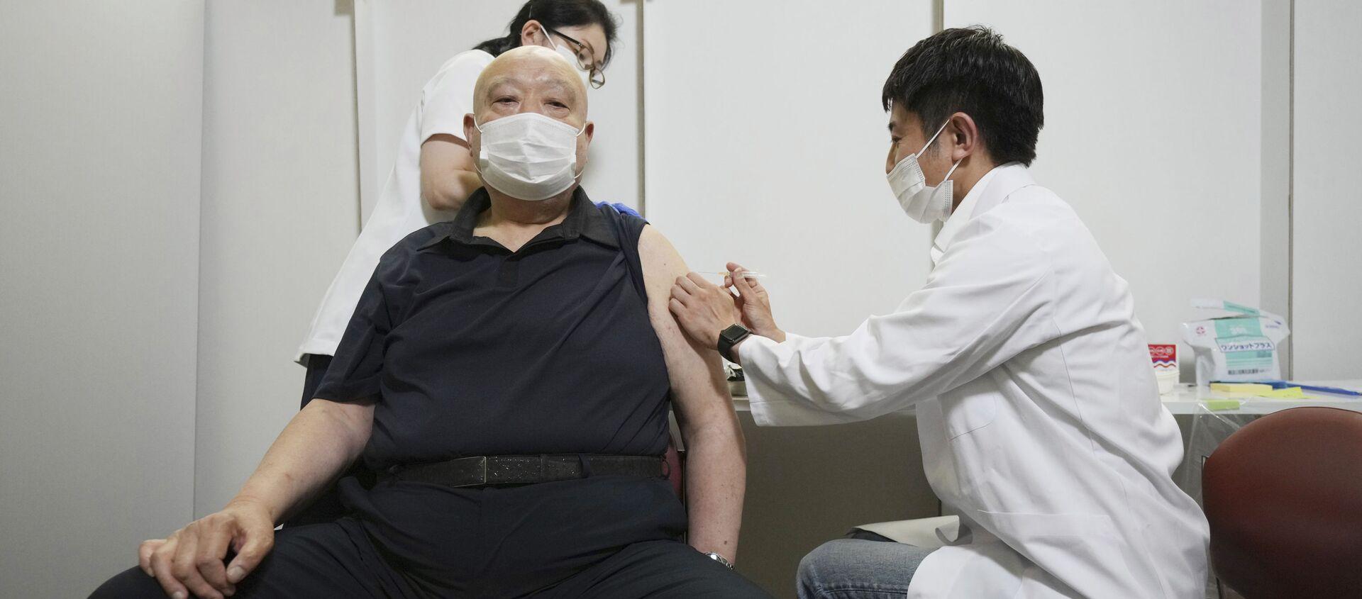 Пандемия коронавируса - вакцинация вакциной Pfizer - Sputnik Грузия, 1920, 04.06.2021