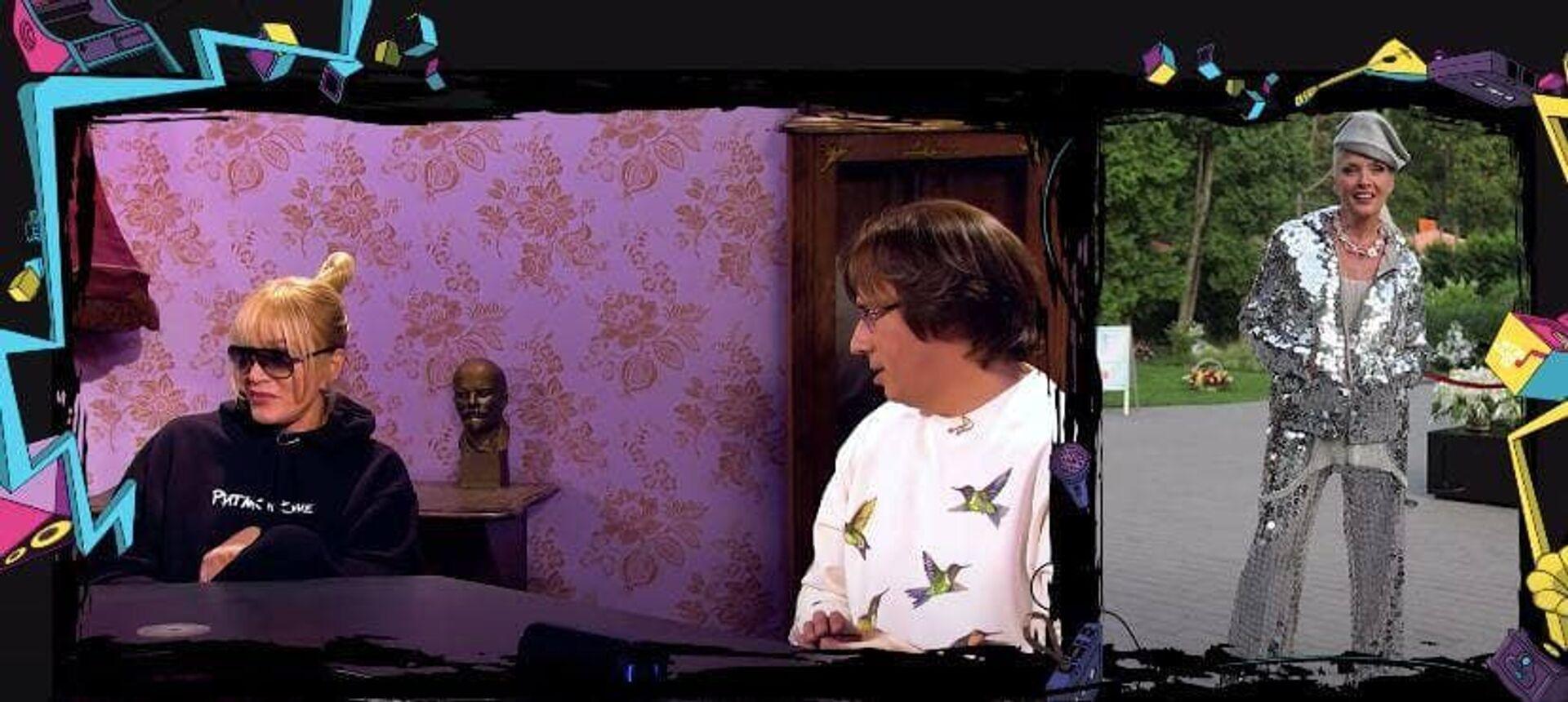 Ходячий диско-шар: Максим Галкин потроллил наряд Лаймы Вайкуле - Sputnik Грузия, 1920, 04.06.2021
